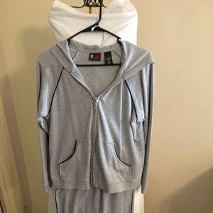 NY & Co Gray 2 piece Sweat Suit Size Medium